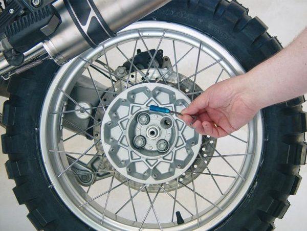 Aide au montage de roue-4462