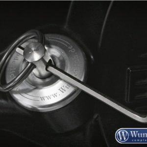 Bouchon de sécurité pour réservoir d'huile en argent-7239